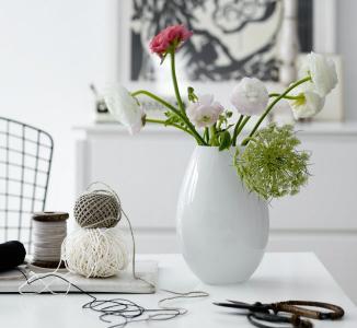 skandinavische glasvase weiss
