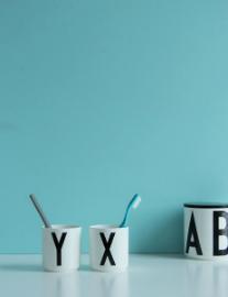 design-letters-aj-bone-china-becher-a-z-035-l