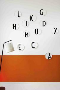 design-letters-aj-bone-china-teller-a-z-durchmesser-22-cm
