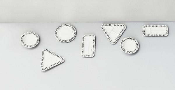 design-letters-aj-melamin-teller-dreieckig-laenge-233-cm