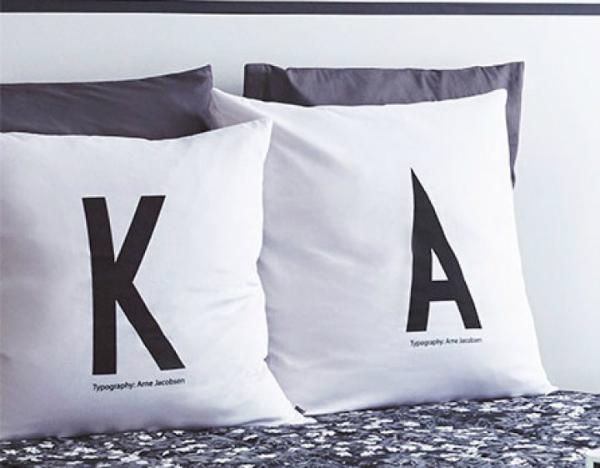 design-letters-aj-persoenliche-bettkissenhuelle-a-z