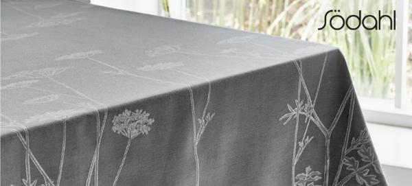 Tischdecke Flora Danica von Soedahl grau Pimpinelle