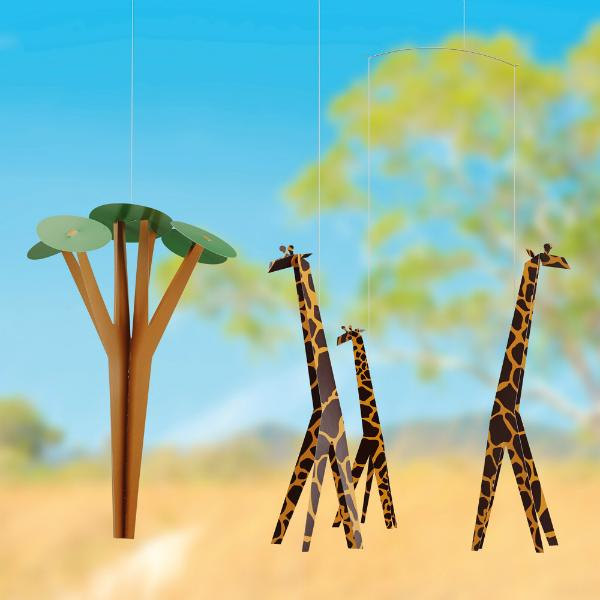 Flensted-Mobiles-Giraffen-in-der-Savanne