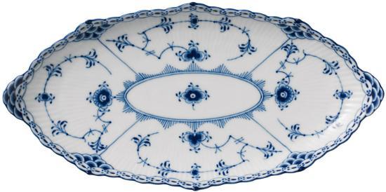 Royal Copenhagen Musslemalet Halbspitze Platte Länge 24,5 cm