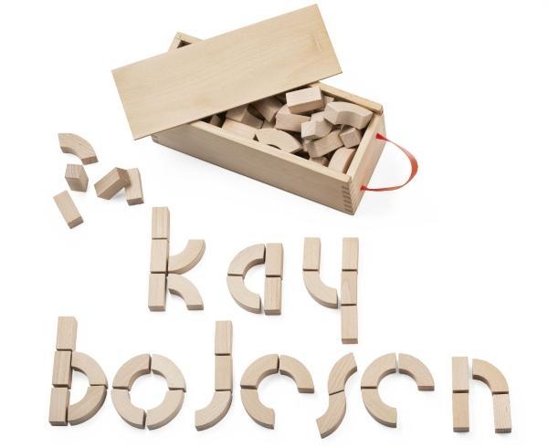 Kay-Bojesen-DK-Alphabetholzbausteine-mit-Kasten-2981