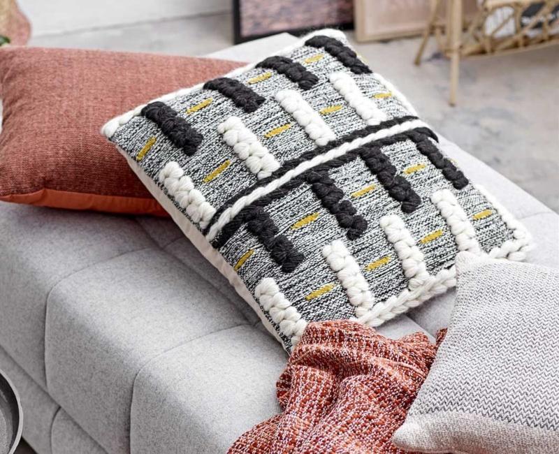 Bloomingville Kissen Wolle mehrfarbig gestrickt mit Balken 45x45 cm