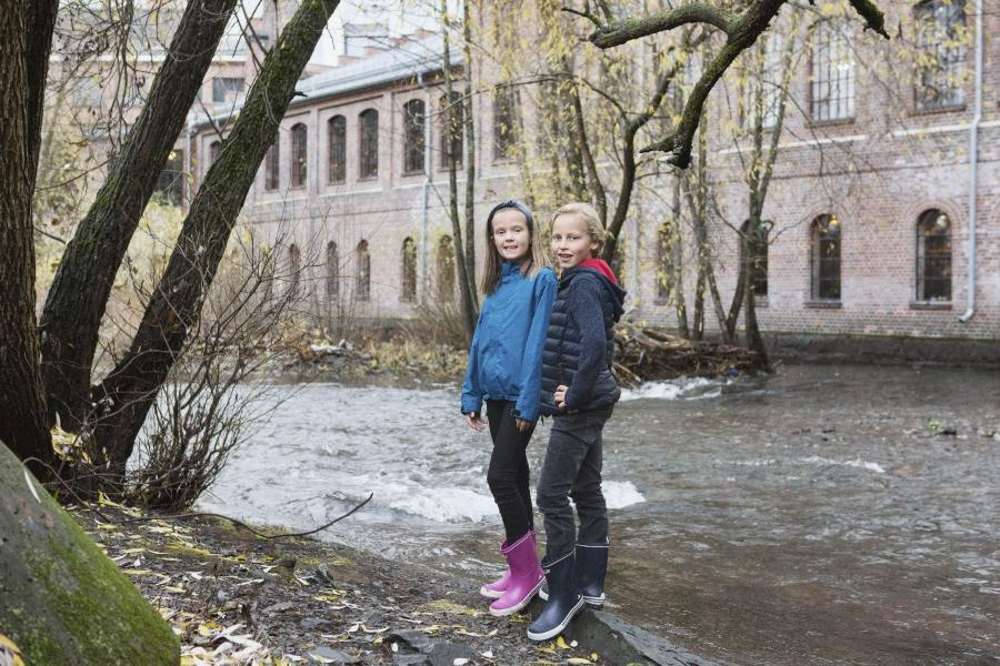 Gummistiefel duerfen an nassen Herbsttagen nicht fehlen kinderstiefel