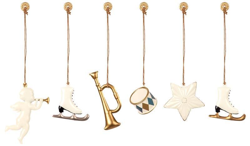 Maileg Baumschmuck weiss, gold 6 Stk Engel, Stern, Trompete, Trommel, 2 Schlittschuhe skandinavischer-weihnachtsbaum-schmuecken