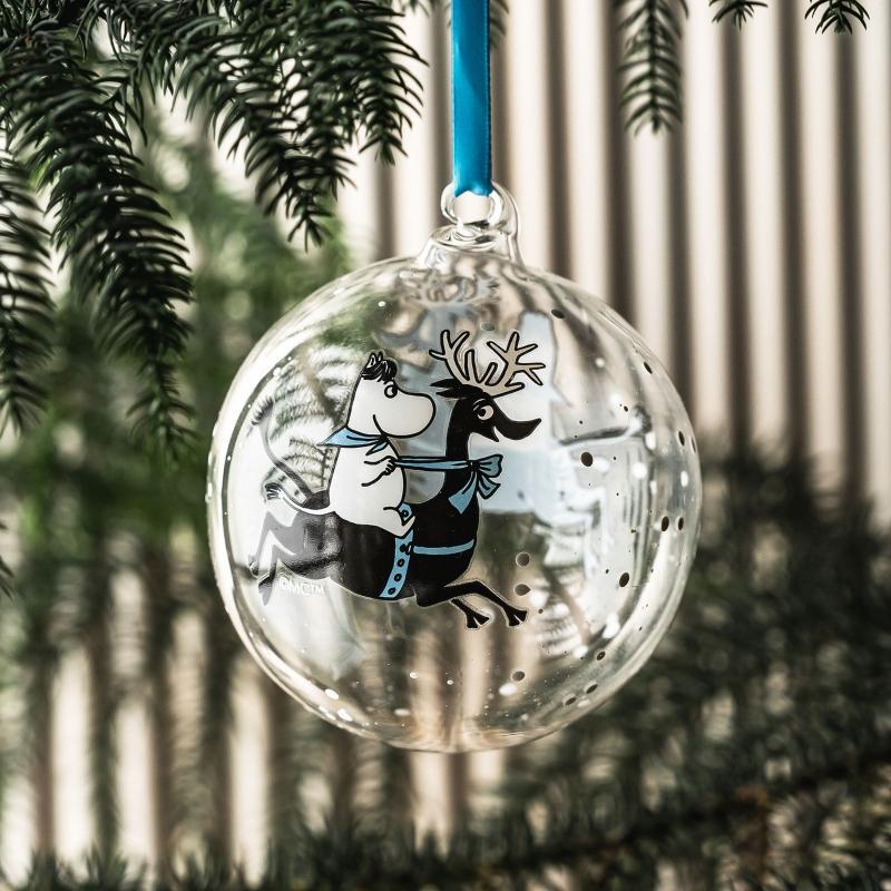 Muurla Mumin Rentierfahrt Christbaumkugel Vorder- und Rueckseite dekoriert scandi-weihnachten