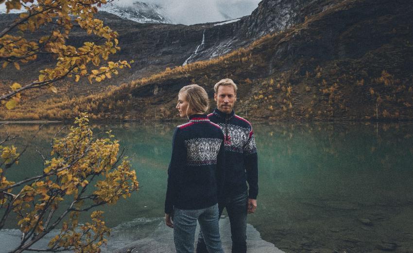 Dale of Norway Norge Pullover navyblau - Skandinavische Valentinstaggeschenke