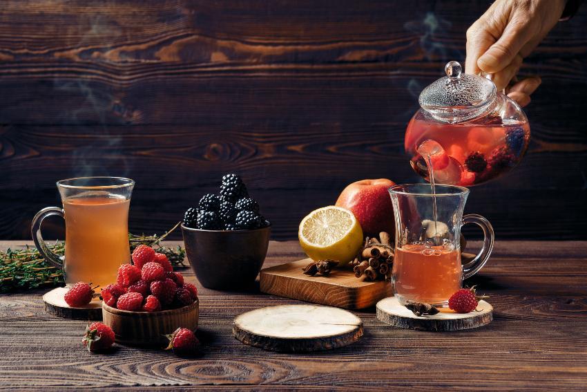 Früchtetee-Zubereitung