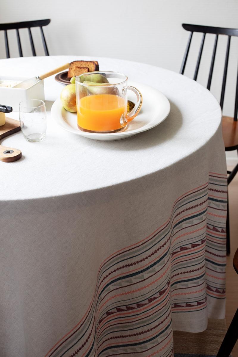 Lapuan Kankurit Watamu Leinendecke Tischdecke 150x260 cm grau, bordeaux Skandinavische Muster
