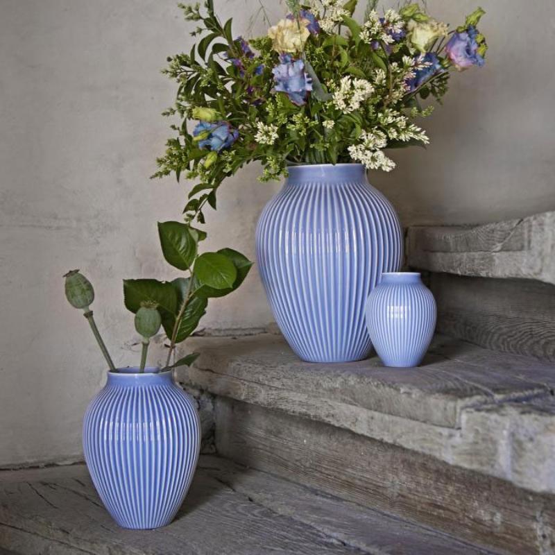 Knabstrup Keramik Vase Rillen lavendelblau Hoehe 27 cm Vasen mit Rillen