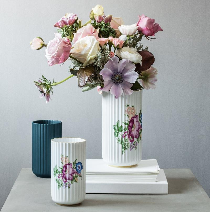 Lyngby Porcelaen Vase Acc Dekoration Hoehe 20 cm Vasen mit Rillen